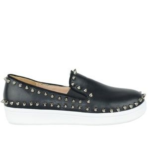 Chase + Chloe Shoes - NEW Chase & Chloe Rockstud Slip On Sneaker